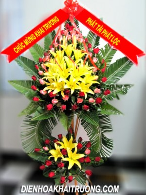 Kệ hoa tươi đẹp tặng khai trương.