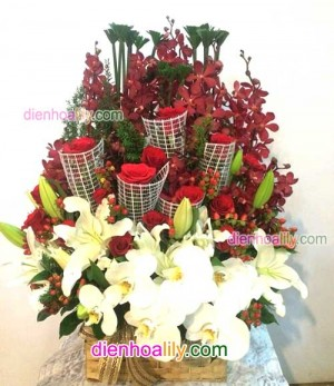 giỏ hoa đẹp tặng khai trương tới người thân, bạn bè.
