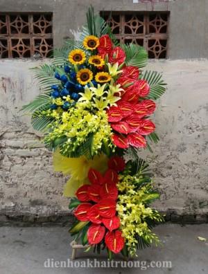 lẵng hoa khai trương đẹp gồm các loại hoa sang trọng và tươi đẹp.